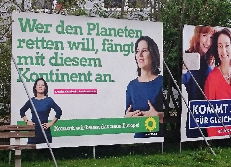 Erstmals Großplakat der GRÜNEN am Bahnhof in Geltendorf